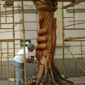 La Llama de la Esperanza - Hugo Da Silva dando los acabados