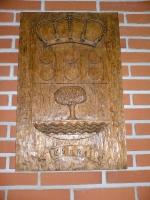 escudo de chañe en madera de pino negral