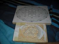 Piezas de una caja recien tallada